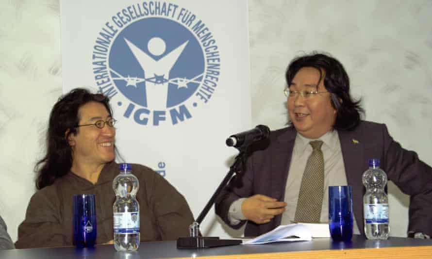 Gui Minhai (right) and his friend Bei Ling.