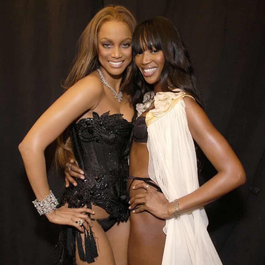 Tyra Banks and Naomi Campbell at the 10th Victoria's Secret Fashion Show, in 2005