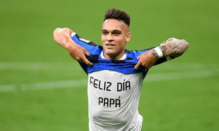 Inter's Lautaro Martínez celebrates his goal with a Father's s Day message for his dad.