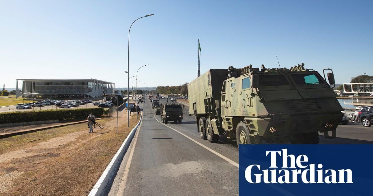 Bolsonaro's 'banana republic' military parade condemned by critics