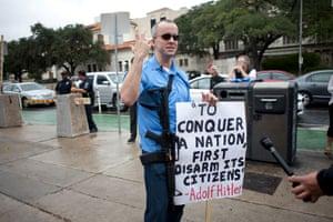 Texas gun protester