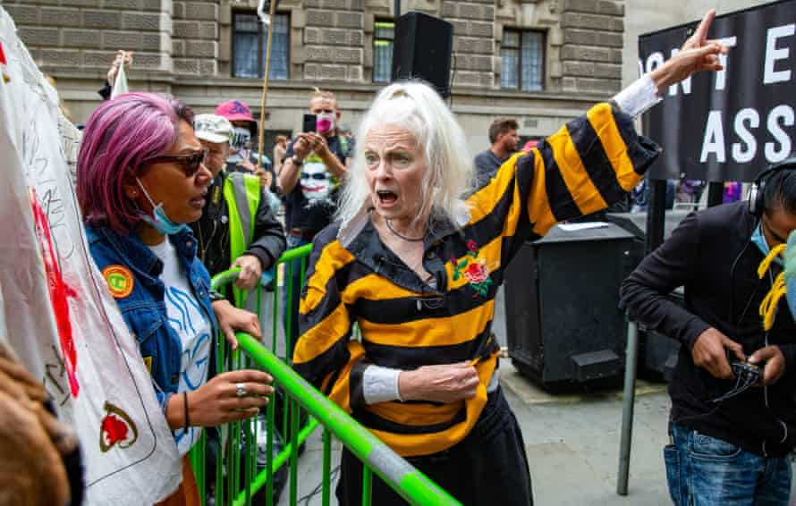 Vivienne Westwood outside the Old Bailey.