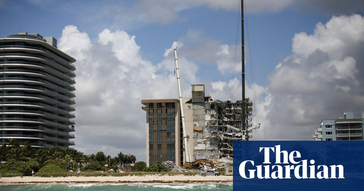 Miami condo collapse: rescuers hold out hope for survivors as search enters fifth day