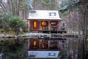 On the wilderness weekend in the Cairngorms, guests stay in cabins