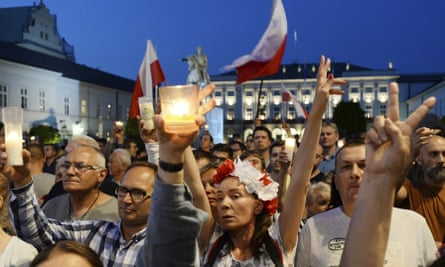 Protesters in front of the presidential palace in Warsaw