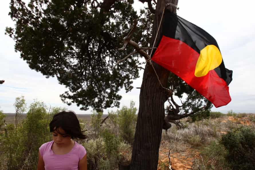 The NSW government's plan to re-bury the Mungos in the land has caused pain for some traditional owners.