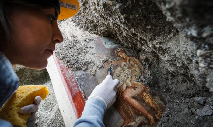Take me to your Leda: sensual Pompeii bedroom art uncovered - image  on https://archaeologys.com