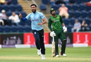 A fine performance by Saqib Mahmood against Pakistan.