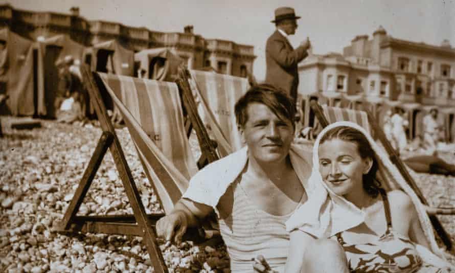 Arthur Calder-Marshall with his wife Ara