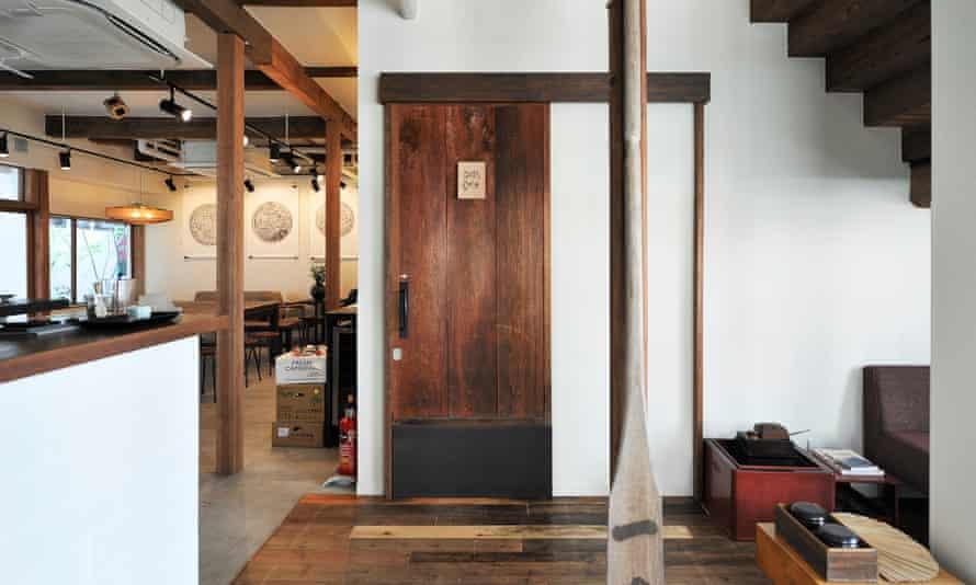 Kaisu Hostel, Minato, Japan. from http://kaisu.jp