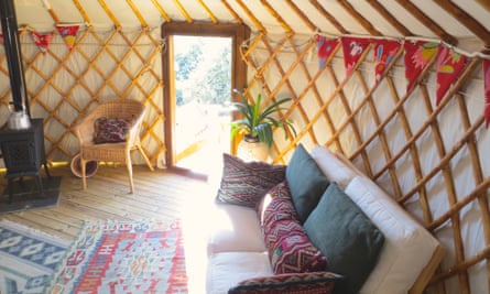 Green Mountain Yurt - Glamping in the Alpujarras Ecological camping in a Yurt