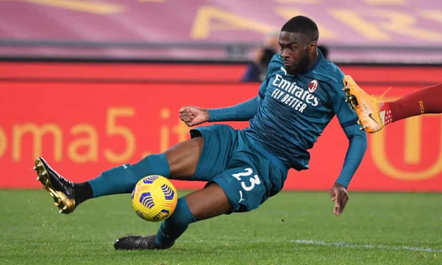 Fikayo Tomori in action in Serie A.