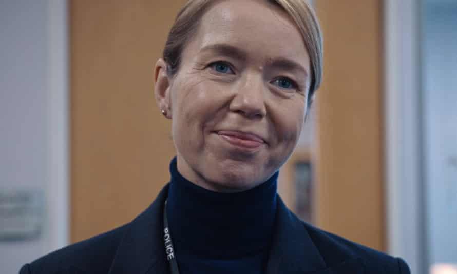 Anna Maxwell Martin as DCS Carmichael.