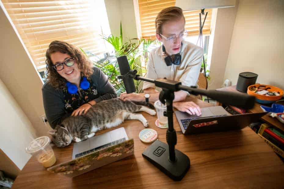 Lindsey Weber, Bobby Finger and a Who? of the cat kingdom