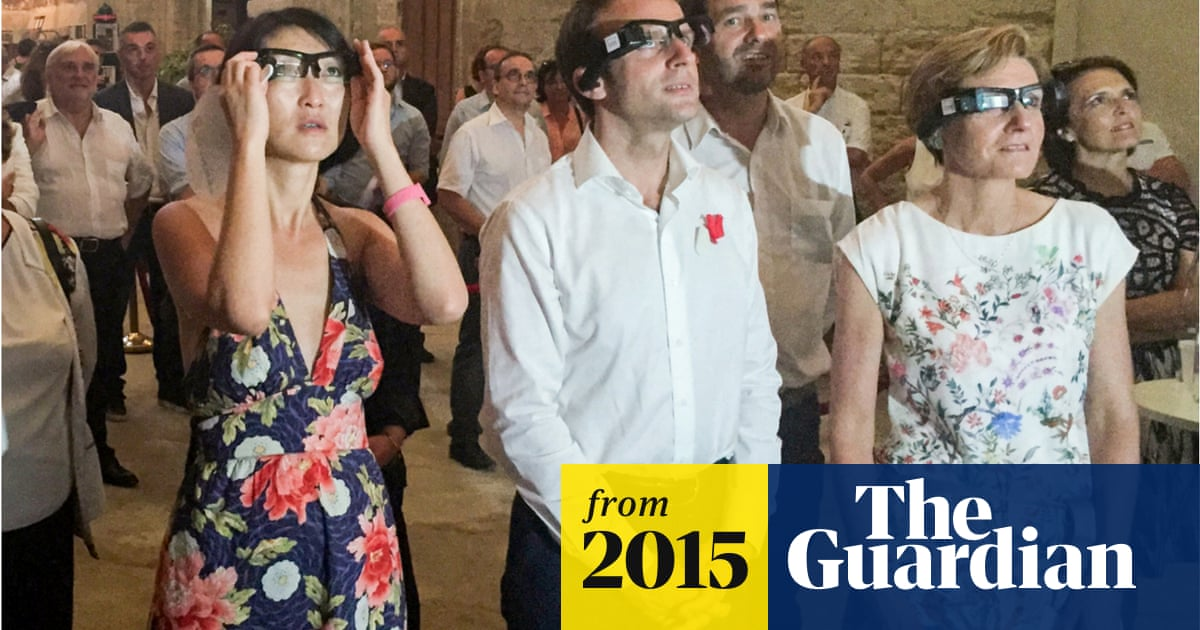 56464b830 The show goes on in Paris – through augmented-reality glasses ...