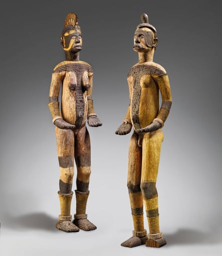 The two Igbo figures pictured in the Christie's catalogue.