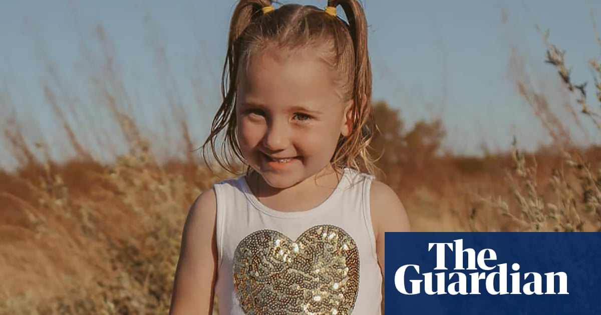 Cleo Smith: WA police search missing girl's family home for signs of a stalker