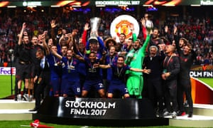Manchester United celebrate winning the 2016-17 Europa League