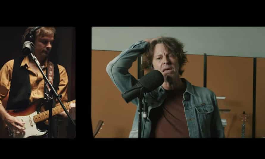 Powderfinger hammer home heartfelt classic Aussie rock songs in their One Night Lonely concert on Saturday night, the band's first show in a decade.
