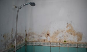 A dilapidated bathroom