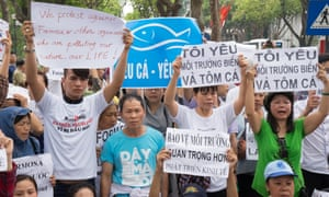 Environmentalist protesters demand that the Taiwanese conglomerate Formosa leave Vietnam.