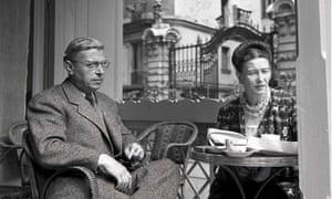 Simone de Beauvoir and French philosopher Jean-Paul Sartre, in Paris, 1940.