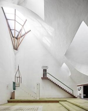 Šerefudin White Mosque, Zlatko Ugljen, 1969–79, Visoko, Bosnia and Herzegovina
