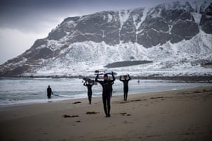 Novice surfers on the beach at Unstad