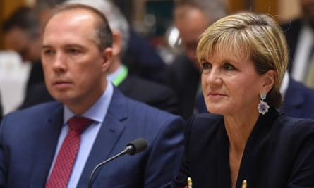 Peter Dutton and Julie Bishop have defended the closure of Manus Island detention centre.