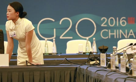 An official prepares for the G20 meeting in Chengdu.