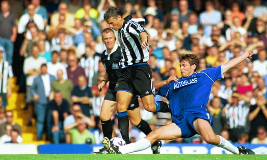 Rob Lee in action for Newcastle against Chelsea in September 1999