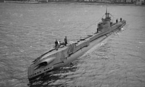 A T-class submarine leaving Holy Loch.