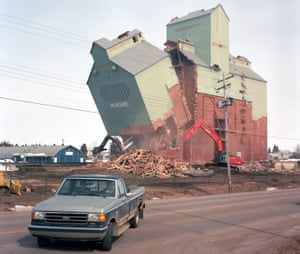 The last grain elevator in Mundare being demolished in 2013. At its height the community boasted nine grain elevators.
