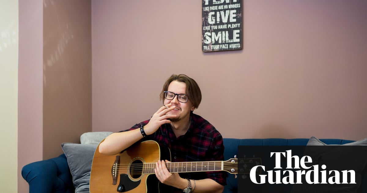 Behind The Scenes At The Biggest Website For Bedroom Guitarists