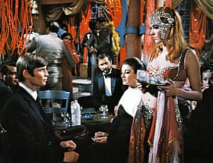 Dirk Bogarde, Michael York, John Vernon, Anouk Aimee and Anna Karina in Justine, 1969