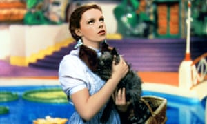 Judy Garland with Toto in the 1939 film The Wizard of Oz