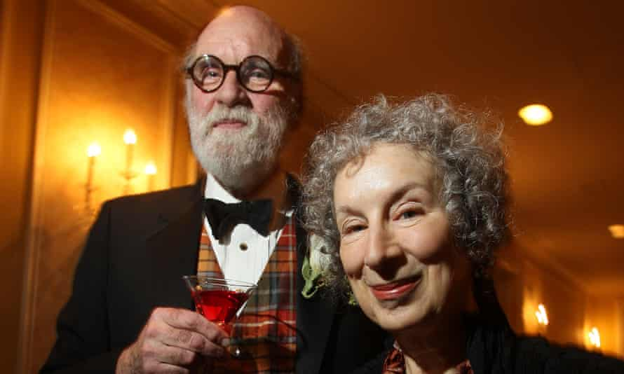 Margaret Atwood with Graeme Gibson, pictured in 2009.