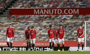The dejection of the Manchester United players is clear after Michael Obafemi's decisive late blow.