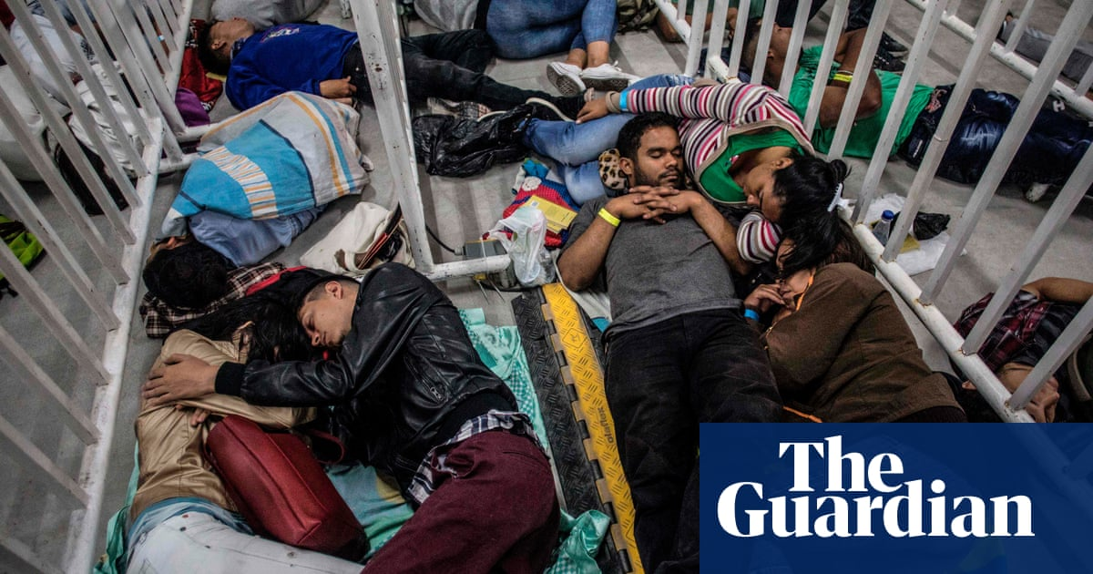 Venezuela: nearly 2m people have fled country since 2015, UN says