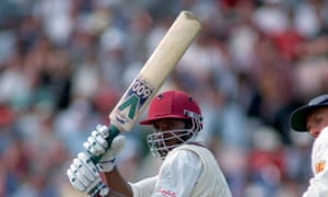 Richie Richardson started wearing a helmet while batting in 1995.