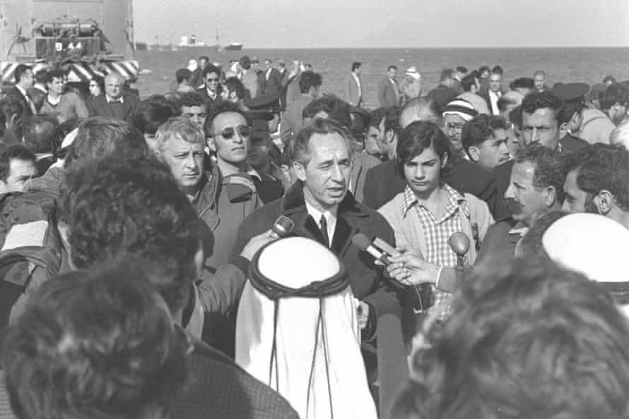 Shimon Peres with Ariel Sharon n Gaza City in 1972