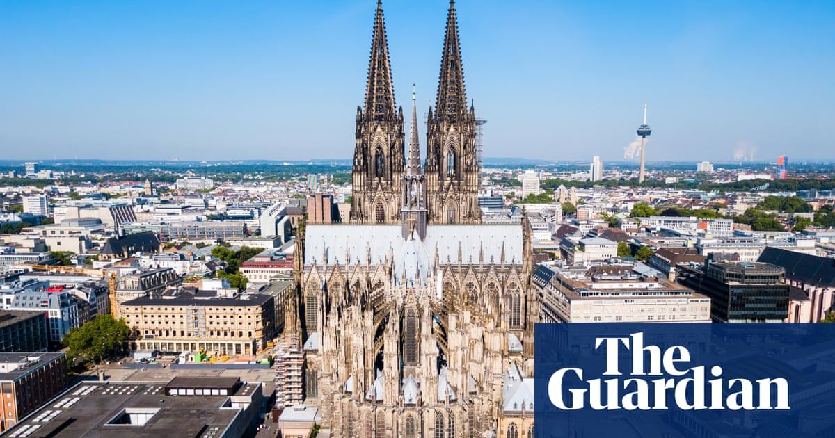 People injured in suspected blowpipe attack in Cologne