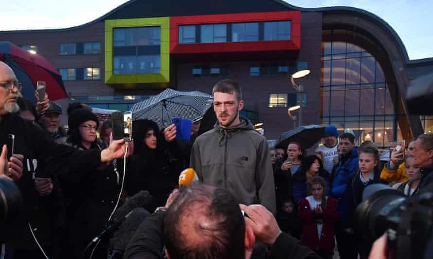 Tom Evans, father of Alfie Evans, speaks to the media