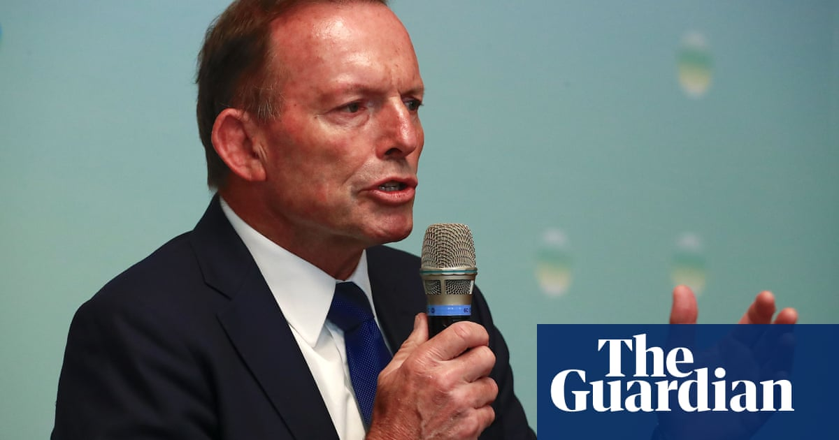 China lambasts Tony Abbott for 'despicable and insane performance in Taiwan'