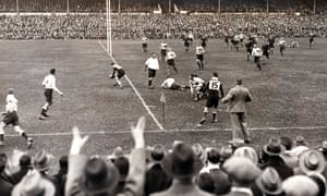 South Africa's Danie Craven scores a try against Australia at Newlands in July 1933, the tour on which Aubrey Hodgson made his Wallabies debut.