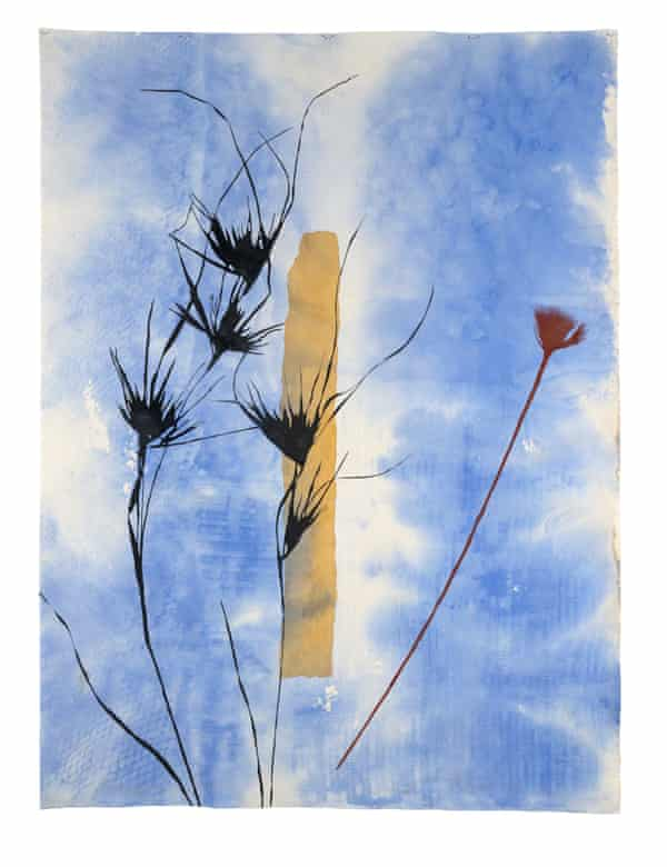 Building new works from a disrupted and burdensome history … Standing Stone, Kangaroo Grass, Red and Yellow Ochre, Judy Watson (2020).