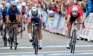 Peter Sagan wins for Slovakia ahead of Norway's Alexander Kristoff.