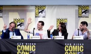Oliver Stone, Joseph Gordon-Levitt, Shailene Woodley and Zachary Quinto promote Snowden at Comic-Con.