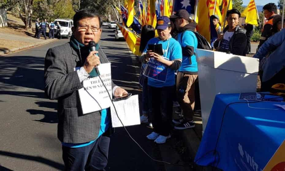 Van Kham Chau at a rally