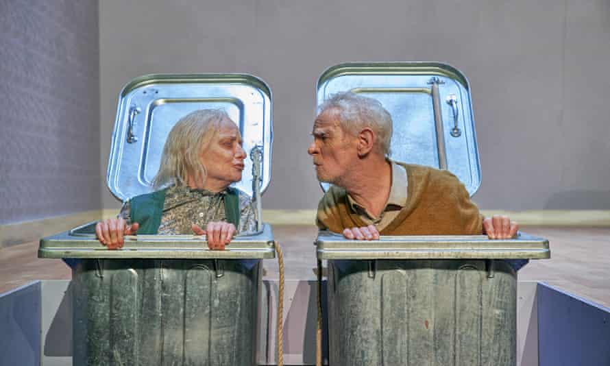 Jane Horrocks (Nell) and Karl Johnson (Nagg) in Endgame.